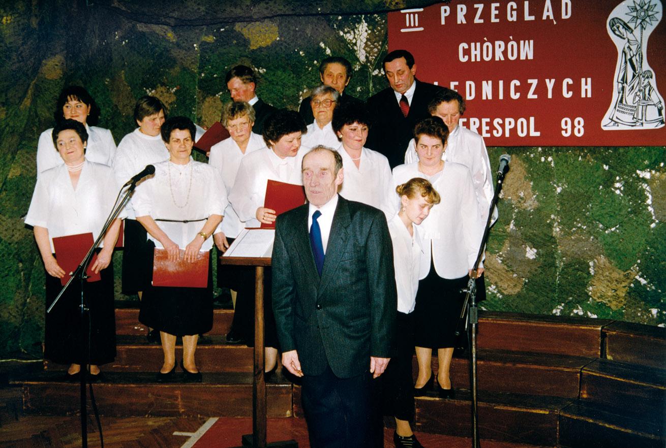 Chór Parafii Prawosławnej p. w. Opieki Matki Bożej w Kobylanach - dyrygent ś. p. Piotr Łastowski - I nagroda w kategorii chórów wiejskich